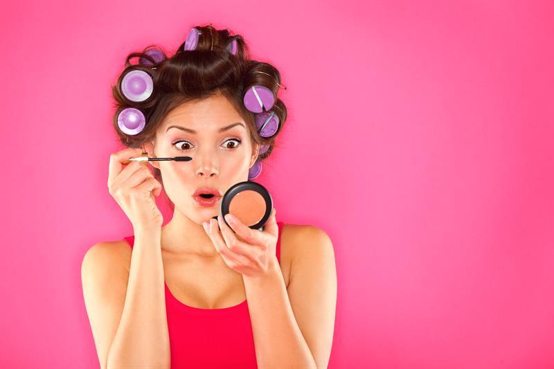 10 Yaş Gençleştiren Makyaj Hileleri