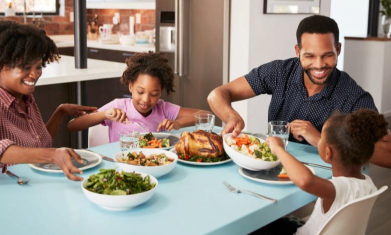 Yemek Masasında Çocuğunuzu Konuşturmak İçin 6 Tavsiye
