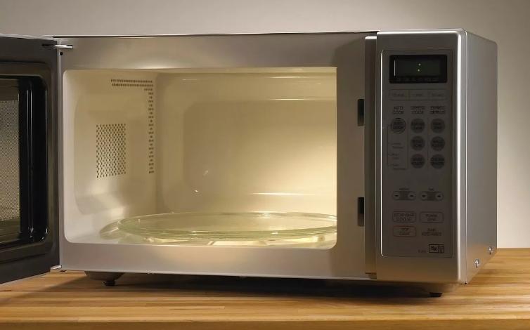 Mikrodalga Fırına Konulmaması Gerekenler Nelerdir?